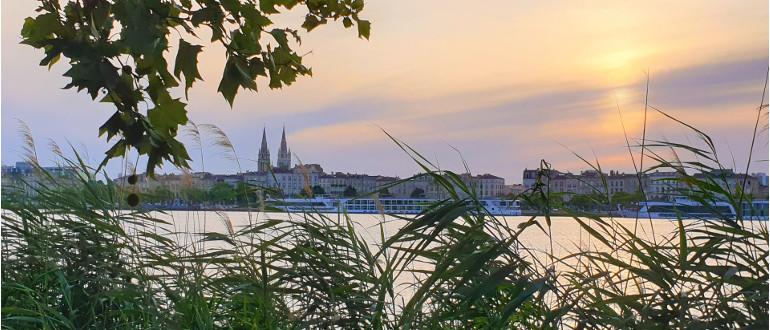 The quays of the Garonne - Bourdeaux