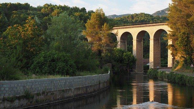 l'isle-sur-la-sorgue, viaduct